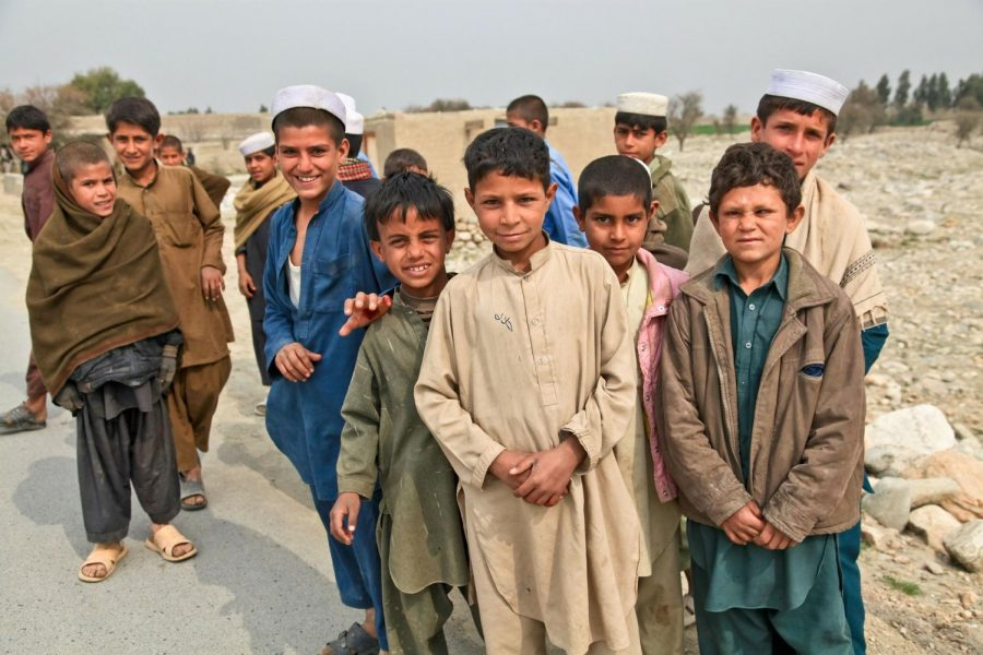 Afghan children   Afghani / Max Pixel / https://www.maxpixel.net/Children-Curious-Afghani-Boys-Group-Persons-Poor-60748 / Public Domain