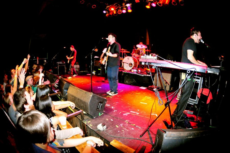 The Get Up Kids perform live at The State Theatre, St. Petersburg, FL - November 14, 2009. Photo by Nicole Kibert https://www.flickr.com/photos/elawgrrl/4105076241/